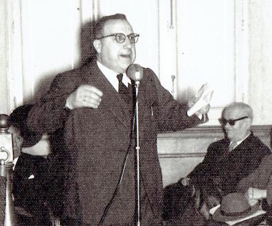 Vicente González ante la Cámara de Comercio en los años 50